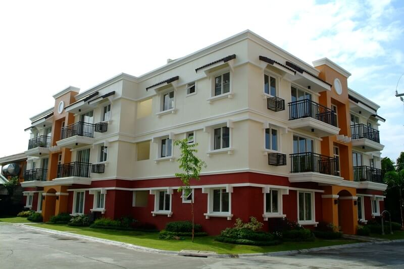 Palm Grove Condo in Paranaque